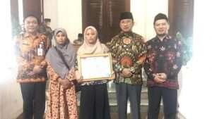 Keluarga Anggota KPPS Krebet yang Meninggal Dapat Santunan Dari Pemerintah Jatim